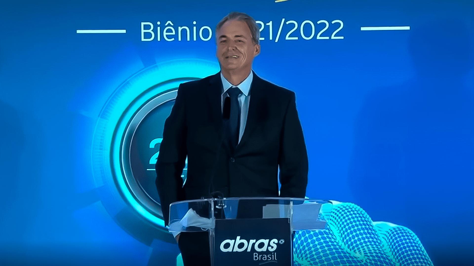 Novo presidente da ABRAS João Galassi cita Vércer no discurso de posse